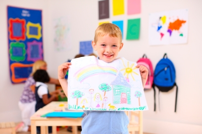 iStock_boy with his art (Top10)