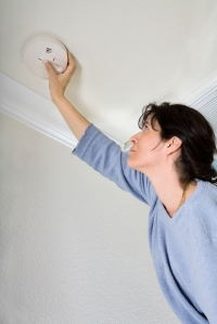 iStock_checkingsmokedetector(Fire Safety)